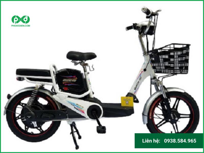 Mãn nhãn với dòng xe đạp điện martin màu trắng đen.