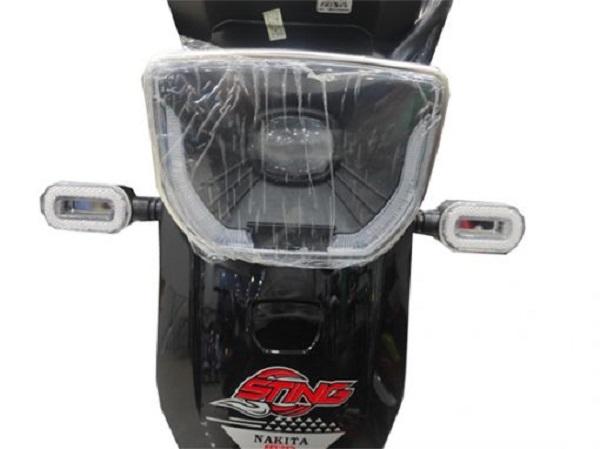 Xe đạp điện Nikita được trang bị hoàn toàn đèn pha led với thiết kế hình cầu lớn
