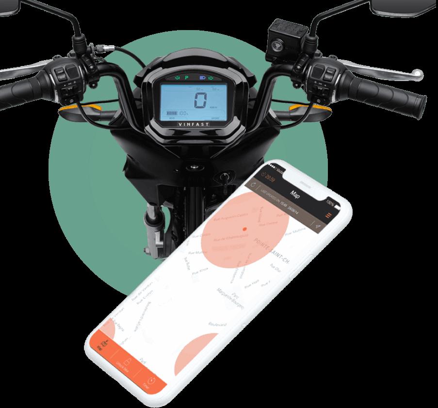 Nhờ tích hợp eSIM, xe được kết nối điện thoại thông minh qua Mobile App