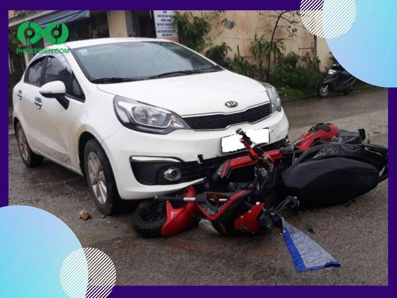Tai nạn xe máy điện