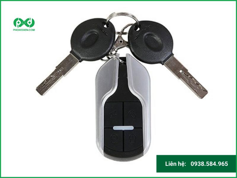 Cách mở ổ khóa xe máy điện